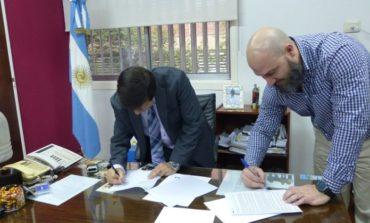 La Facultad de Ciencias Económicas selló un acuerdo para capacitar sobre el software Tango