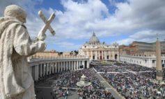 Escándalo en el Vaticano: Investigan a cinco funcionarios por corrupción