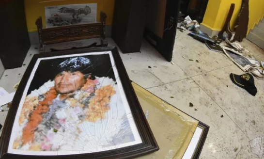 Golpe de Estado: La Policía boliviana tiene orden de detener a Evo Morales