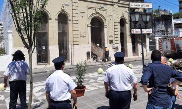 Biblioteca Alberdi: El día después del derrumbe