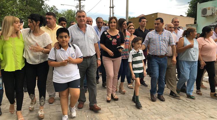 Inauguran obras de pavimento en Simoca