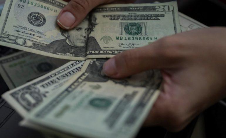 Debuta el «dólar solidario» y hay gran expectativa en el mercado