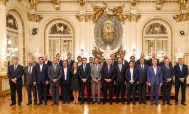 Fernández firmó el Consenso Fiscal 2019 con los gobernadores