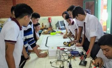 En Tafí Viejo, los chicos aprenden a reciclar Laptops