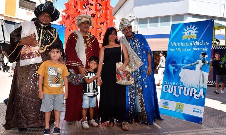 """Los """"Reyes Magos"""" pasean por Tucumán"""
