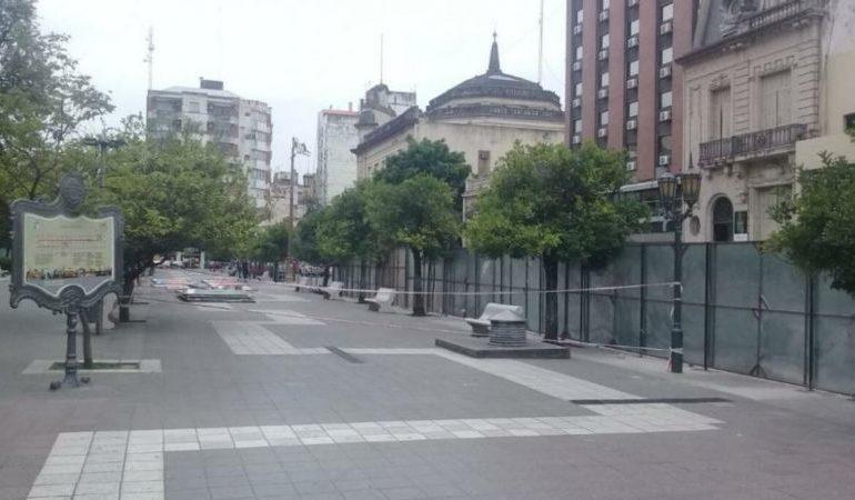 Un concejal pide más seguridad en la obra de remodelación de Plaza Independencia