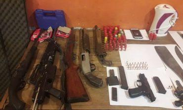 Banda del Río Salí: Encuentran una gran cantidad de armas enterradas
