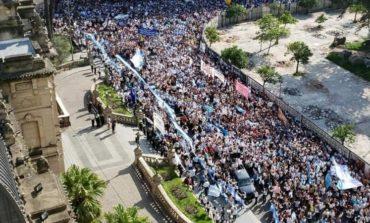 Masiva marcha de Docentes Autoconvocados frente a Casa de Gobierno