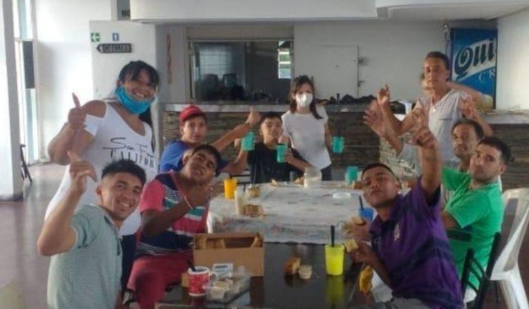 Atlético solidario: Personas en situación de calle reciben ayuda en el club