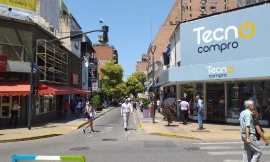 Flexibilización: Los comercios abren por la mañana y habilitan galerías y shoppings