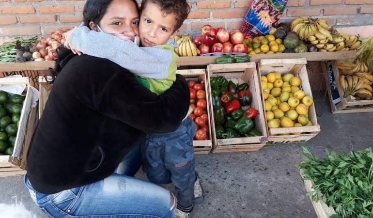 Concepción: Con el IFE, una joven mamá abrió una verdulería