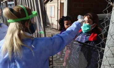 Búsqueda activa de febriles: Ya llegó a 8 barrios y examinó a 1443 familias tucumanas