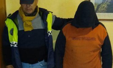 Detienen a un joven acusado de apuñalar a su padre