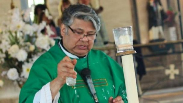 Apareció un cuchillo que podría ser el arma homicida del párroco Juárez