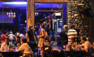 Fuertes controles para que los bares cierren a las 22