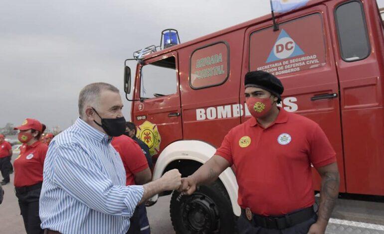 La Legislatura donó un camión autobomba a bomberos de Banda del Río Salí