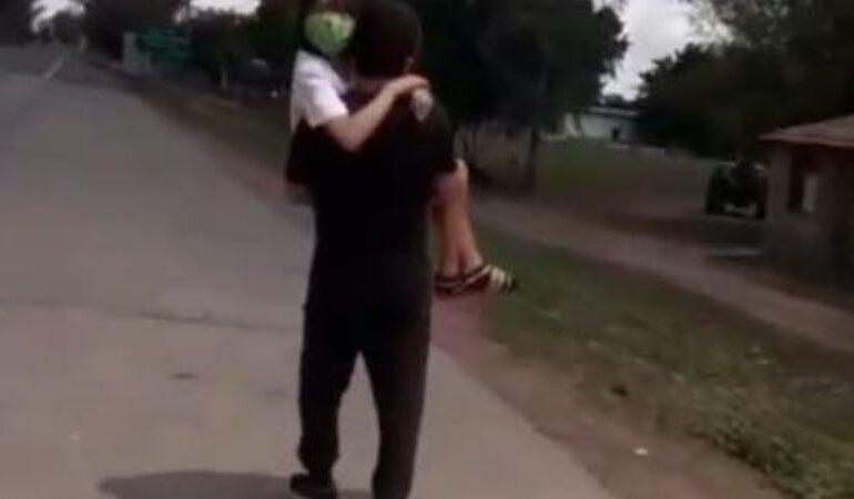 Cruzó con su hija enferma en brazos de Tucumán a Santiago del Estero