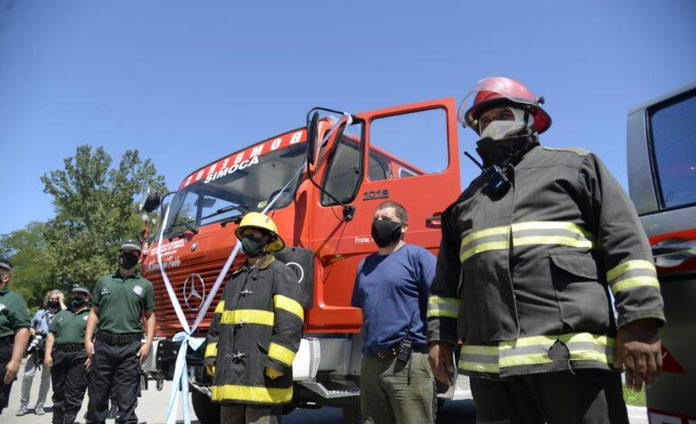 Entregaron una autobomba a los bomberos de Simoca