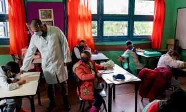 """Para la Sociedad Argentina de Pediatría es """"imprescindible"""" volver a clases presenciales"""