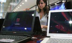 Ante la falta de dólares evalúan aplicar un impuesto a las PC