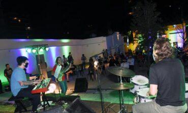 El viernes llega con recitales simultáneos de rock nacional, jazz y cumbia colombiana