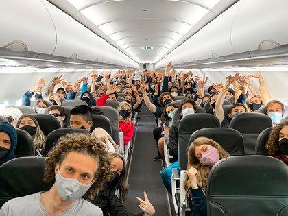 Sesenta y seis personas se contagiaron de Covid-19 en un viaje de egresados