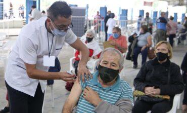 Reprogramarán turnos de vacunación para mayores de 70 años