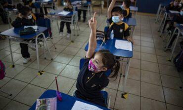 Para algunos especialistas la presencialidad escolar provocó una detonación de casos