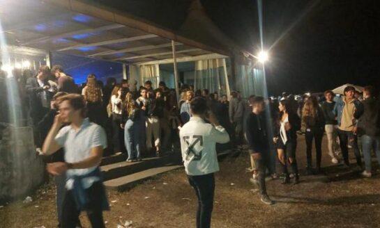 Desalojaron una fiesta multitudinaria en Yerba Buena
