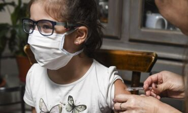 Probarán vacunas Sinopharm en menores de 12 años