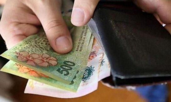 Sube a $ 33.000 el salario mínimo y aspira a ganarle a la inflación 2021